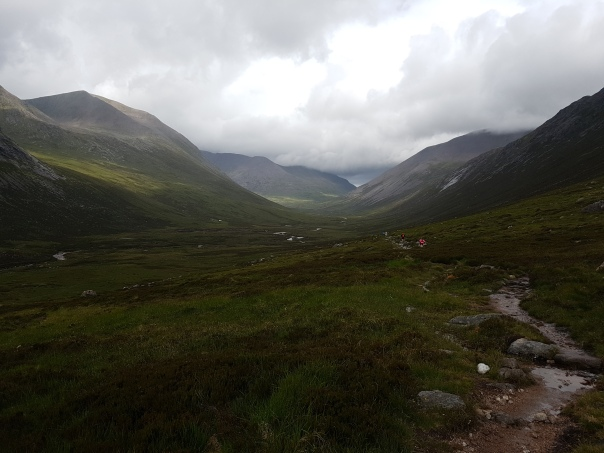 06 Along the Lairig Ghru